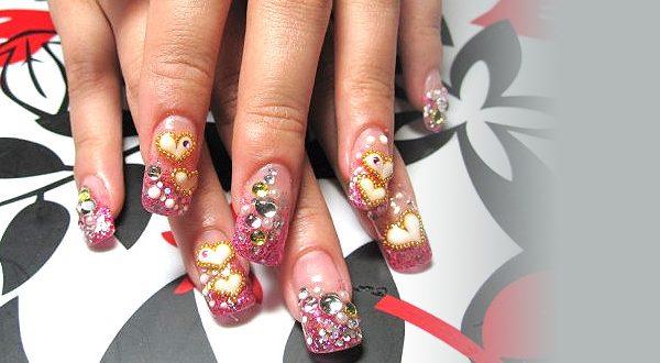 Декоративное моделирование ногтей