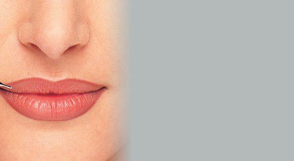 Татуаж губ, контур губ