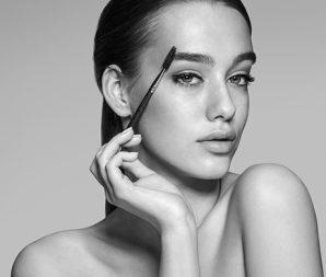Brow Bar & Make-Up